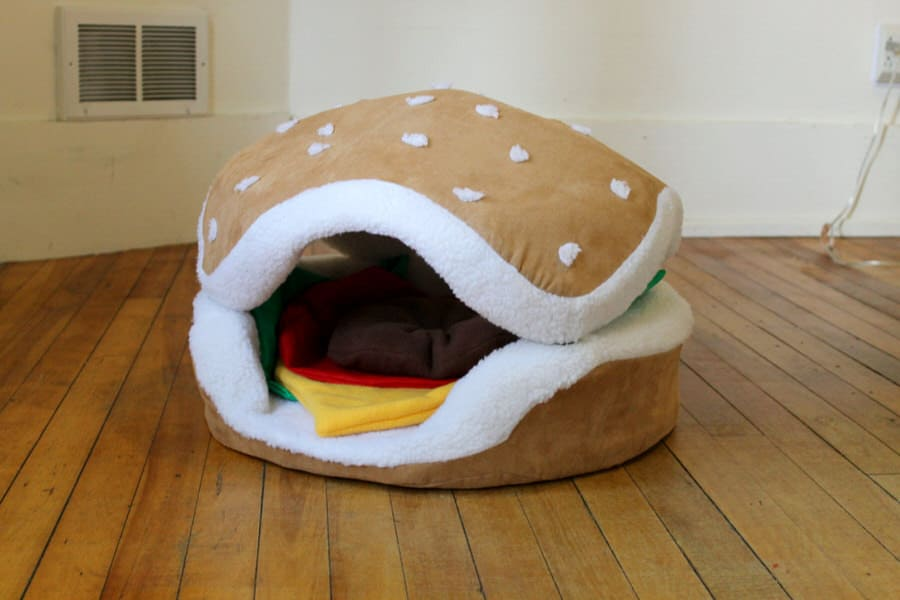 The Cats Paw Botique Hamburger Cat and Small Dog Bed - NoveltyStreet