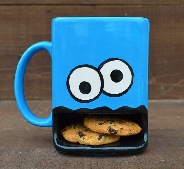 Get googly-eyed over your mug and cookie.