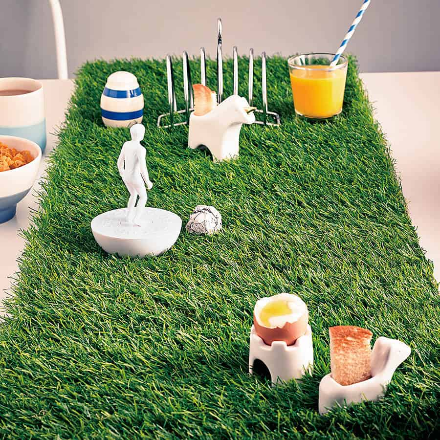 Artificial grass table runner noveltystreet for Artificial grass decoration
