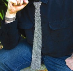 Attract modern-day princesses with this chainmail tie.