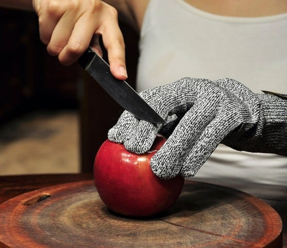 Protect your hands from cuts in the kitchen.