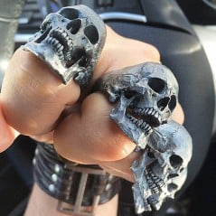 Badass skulls for your badass knucks.