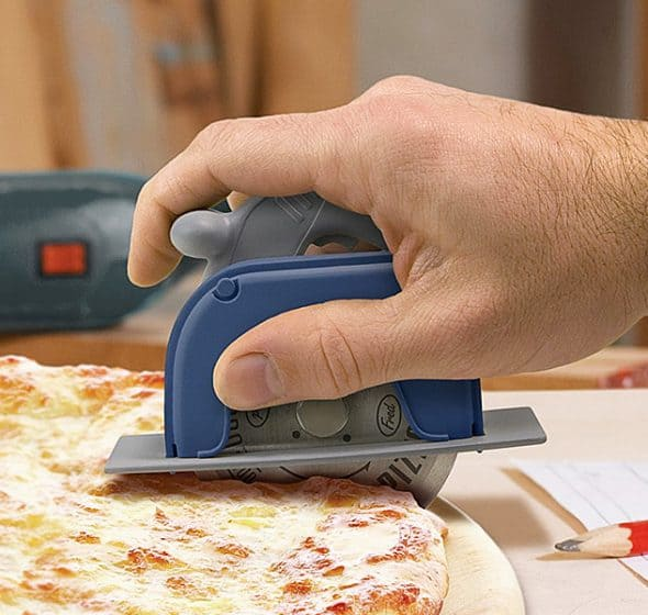 Slice and serve pizzas like a boss.