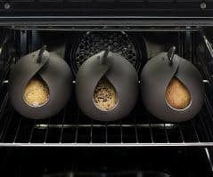 Make your own bread in a single container.