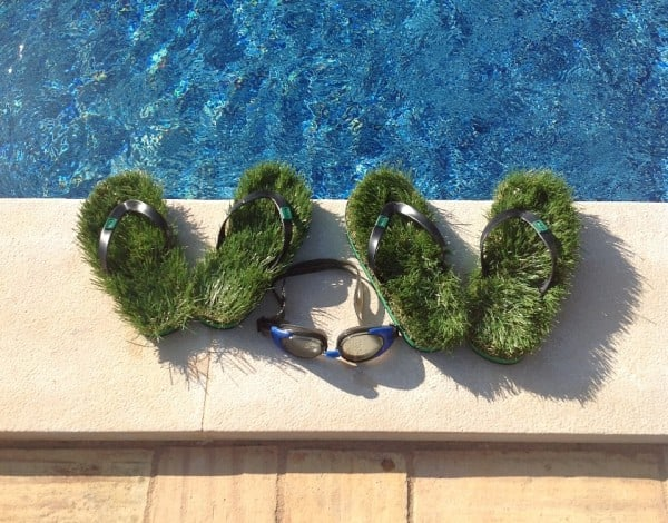 Kusa Grass Sandal  Pool Side