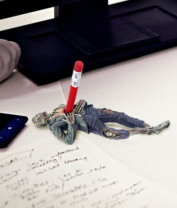 Design-Toscano-Impaled-Zombie-Desk-Accessory-Buy-Funny-Office-Gift-Idea