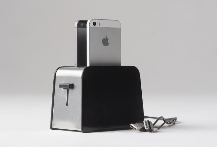 Foaster iPhone Dock Fancy Way to Charge Mobile Device