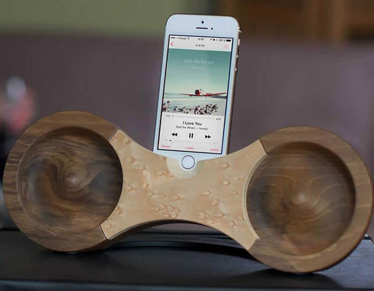 All natural acoustic iPhone amplifier.