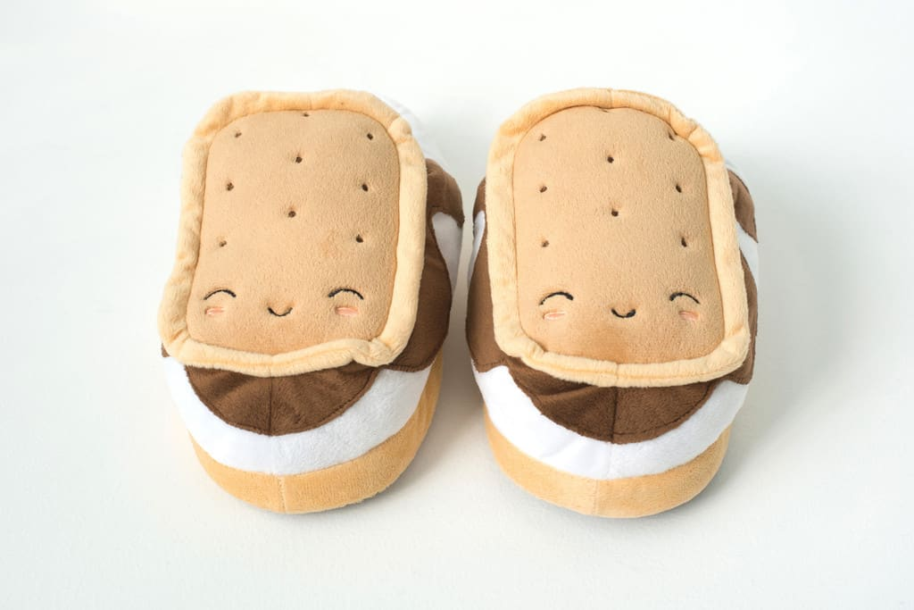 S'mores USB Heated Plush Slippers Relieve Strees with Comfy Foot Warmers