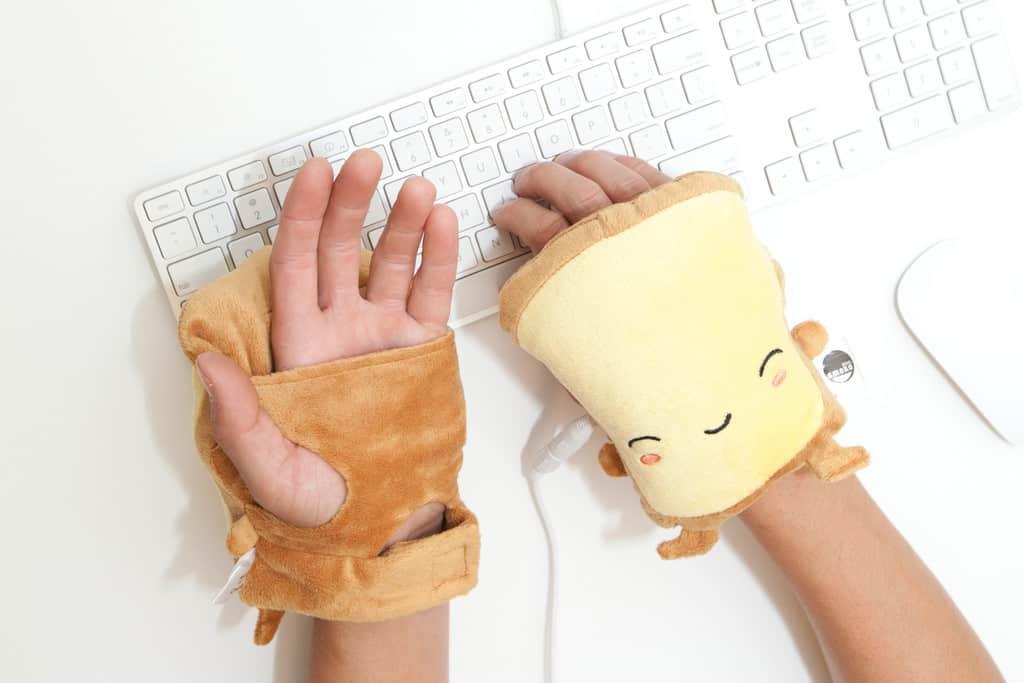 Smoko Butta Toast USB Handwarmers Make Typing Comfortable and Fun