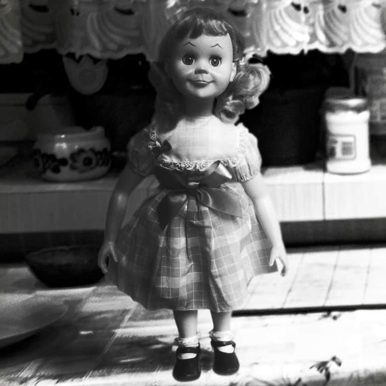 The-Twilight-Zone-Talky-Tina-Talking-Doll-Exclusive-Replica-Collectors-Item-Halloween-Display
