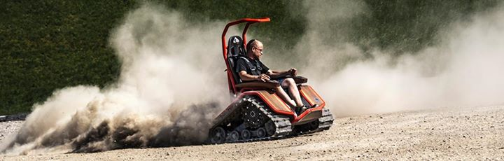 Der Ziesel Off Road Driving Machine Drifting on Sand