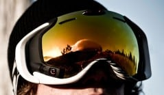 Smart goggles for a more epic mountain experience.