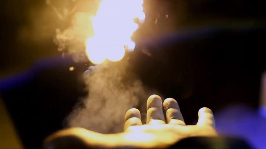 Ellusionist Pyro Fireshooter Flying Fireball