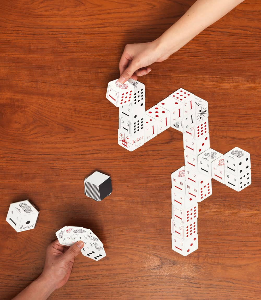 3D Japanese playing cards with multiple playing options.