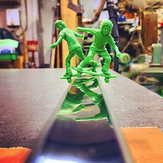 AJs Toy Boarders Skater Mini Figures Green Plastic Figurine