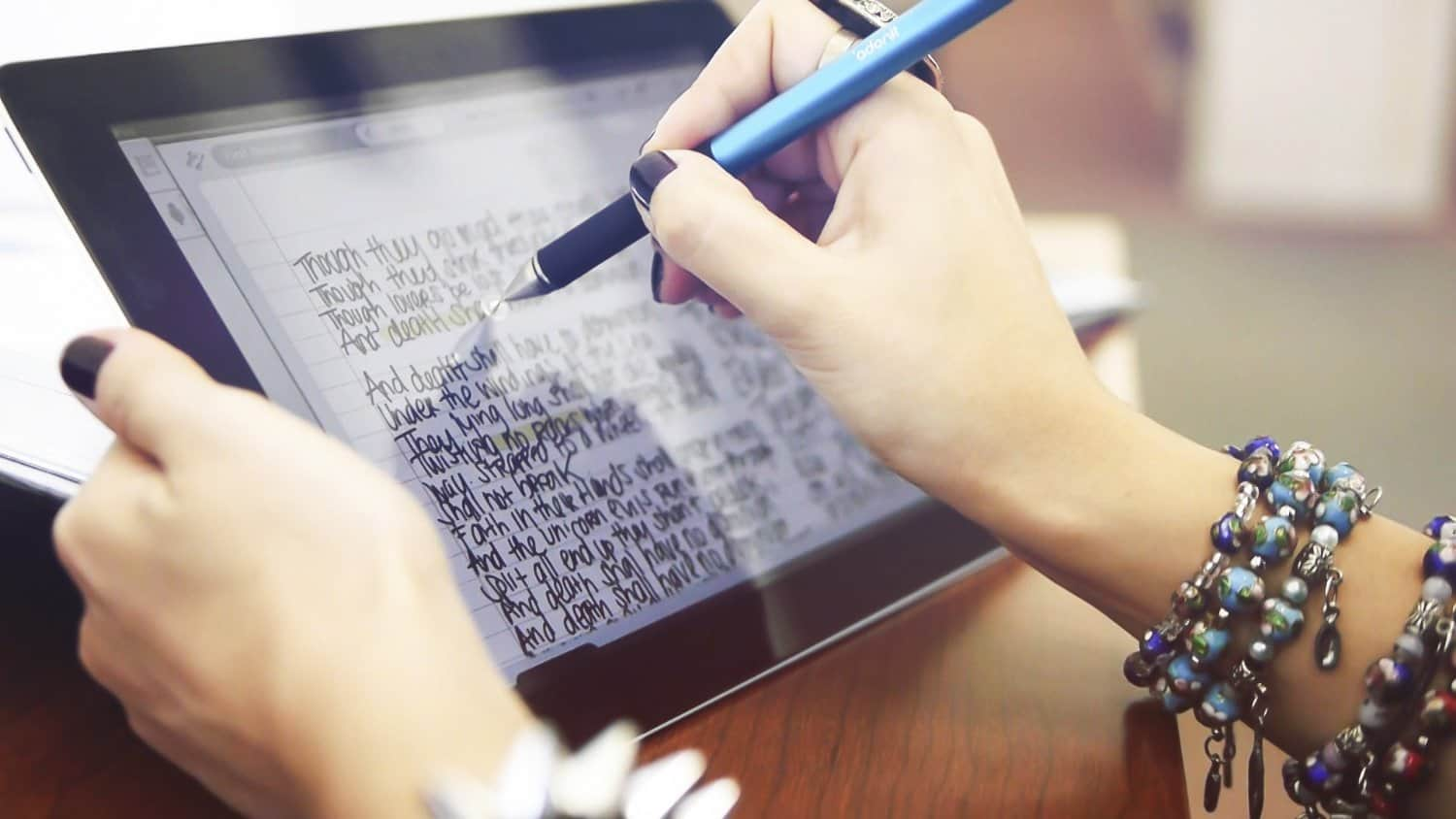 Adonit Jot Pro Fine Point Stylus Write Notes on iPad and Tablet
