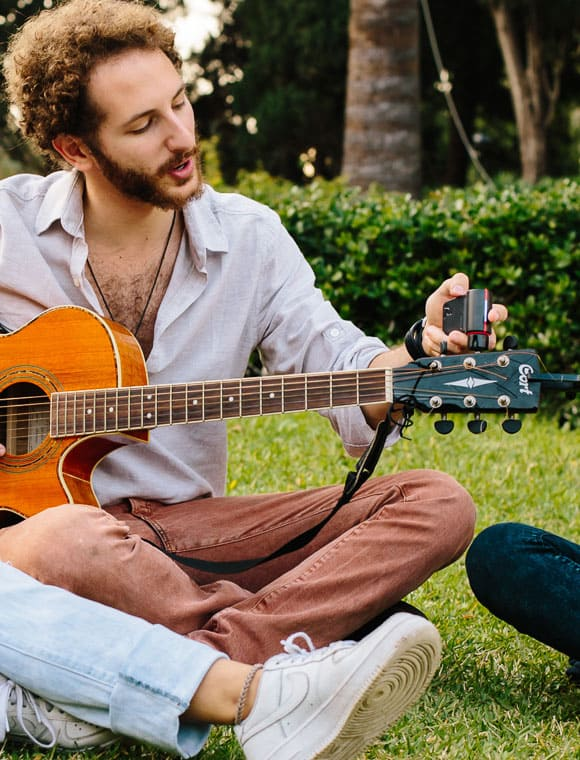 Roadie Automatic Guitar Tuner Easily Adjust Sound