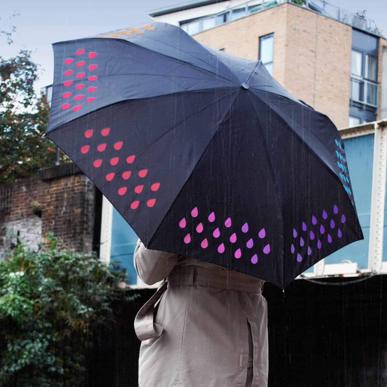 Suck UK Color Changing Umbrella Color on Rainy Days