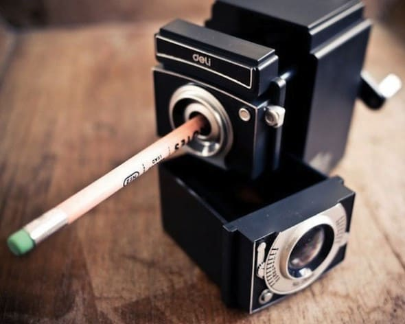Deli Retro Camera Pencil Sharpener Cool Office Gift Idea