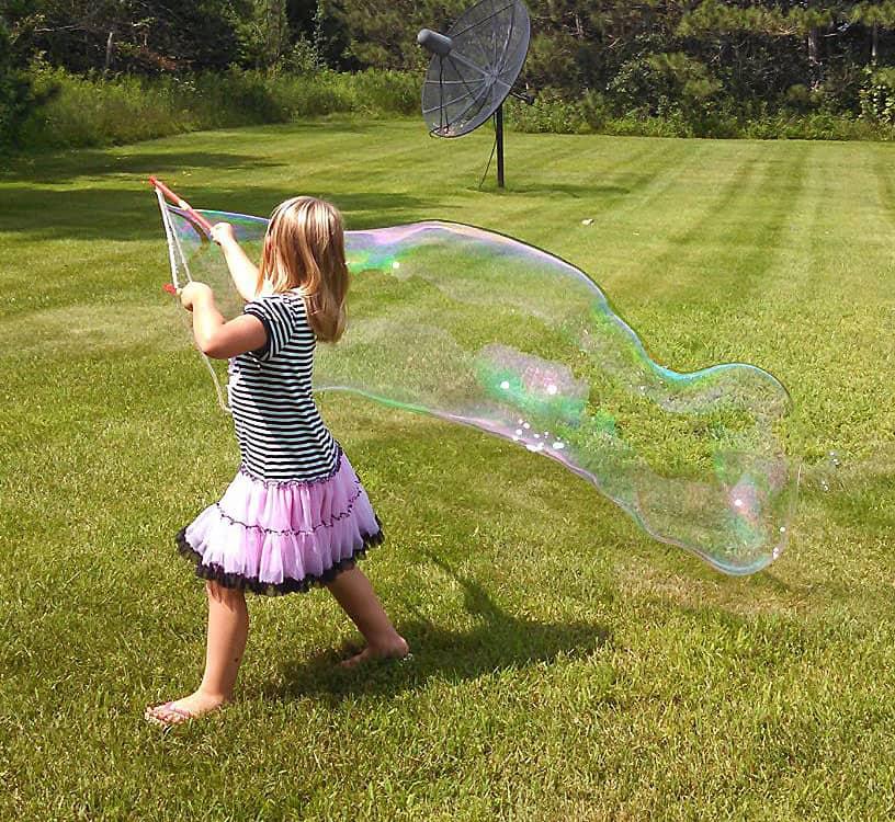 Extreme Bubbles Portable Giant Bubble Grab & Go Activity for Kids