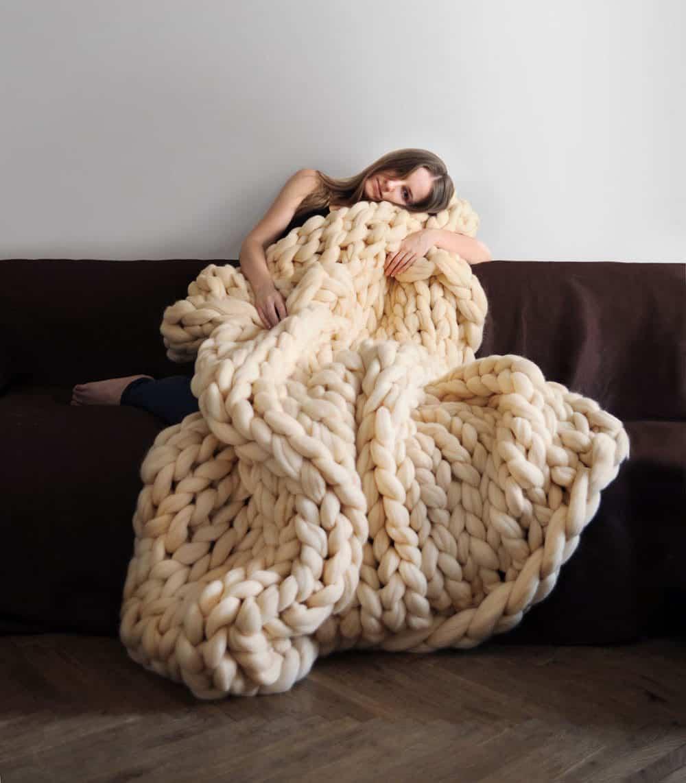 Ohhio Large White Blanket Big Threads