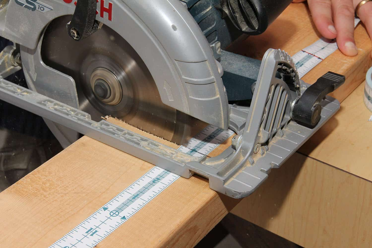 Measure It Adhesive Measuring Tape Saw Accurately
