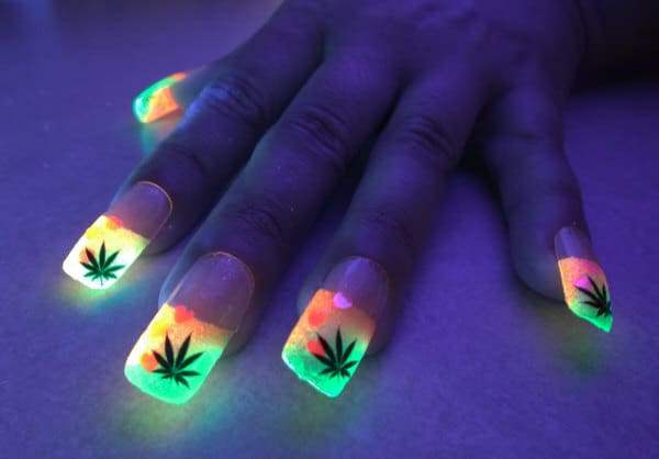 Bio Lumi Nails Cannabis Leaf Glowing Party Fashion Accessory