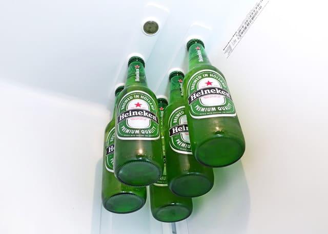 Bottle Loft Magnetic Bottle Hanger Heineken