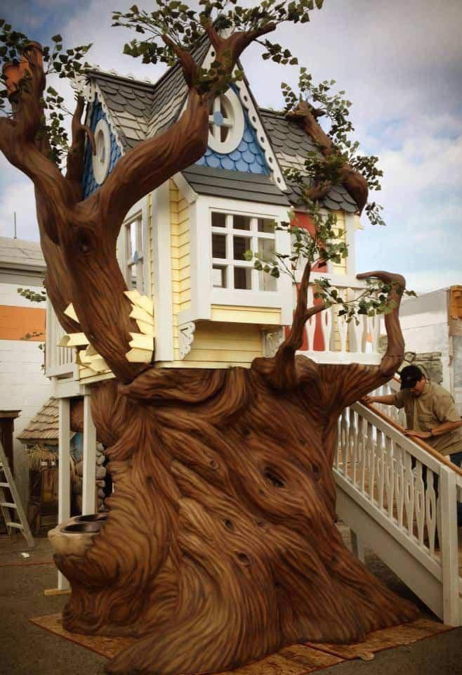 Monster City Studios Victorian Tree House Fairy Tale Backyard