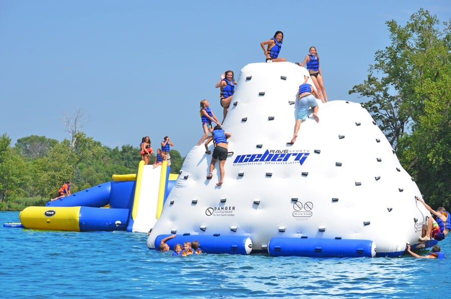 Aviva Sports 14 Feet Iceberg Buy for the Summer