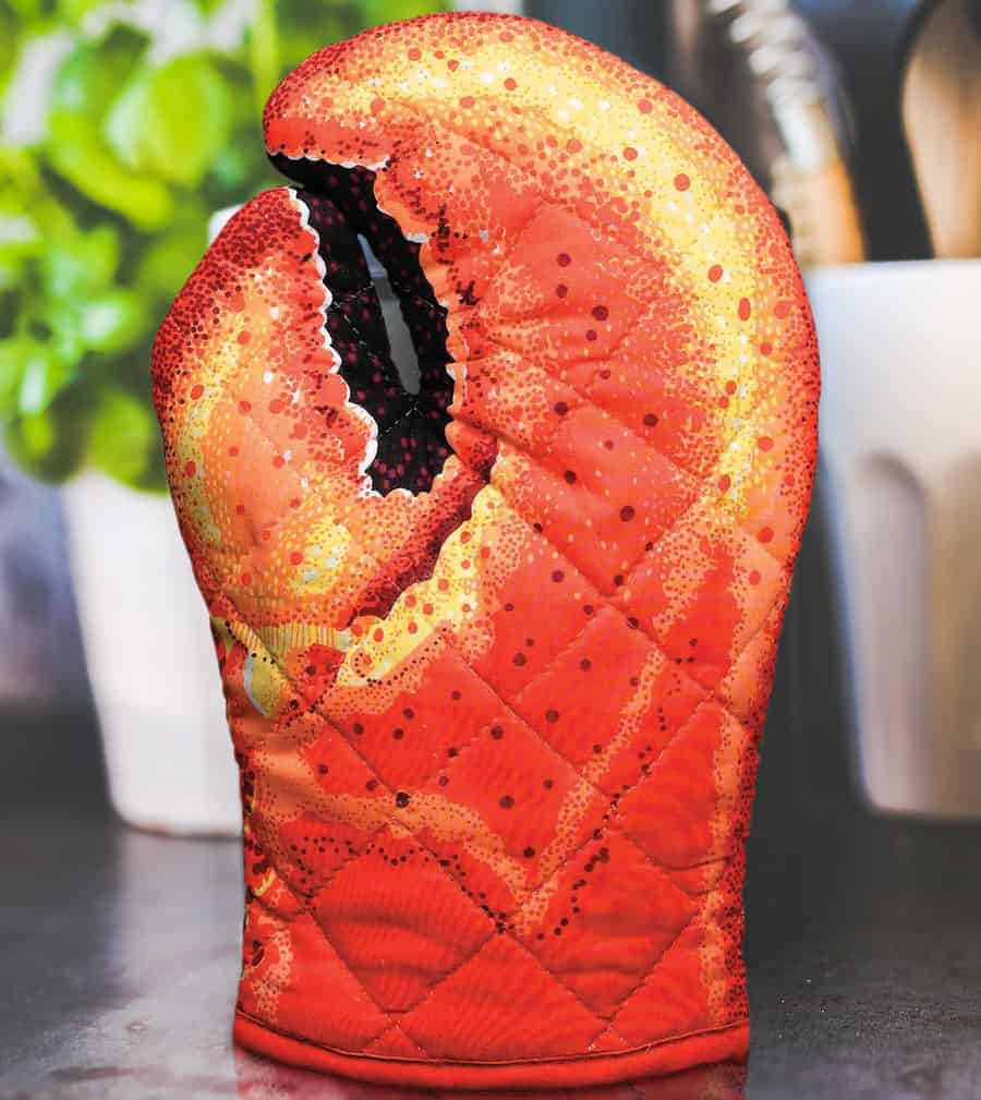 Boston Warehouse Lobster Claw Oven Mitt Cool Kitchen Novelty Gift Idea for Him