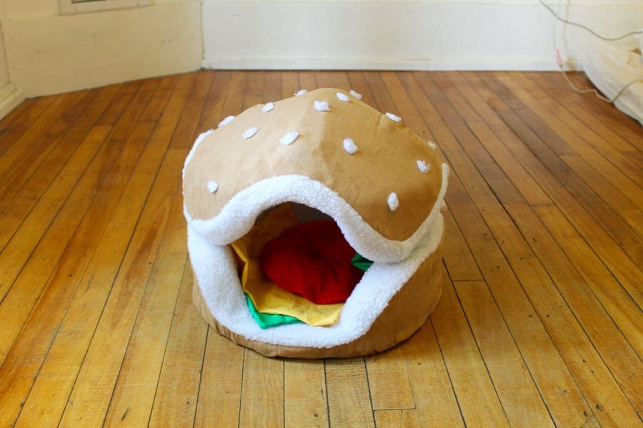 The Cats Paw Botique Hamburger Cat And Small Dog Bed
