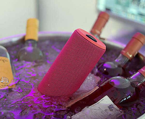 UE BOOM Wireless Bluetooth Speaker Cool Party Gadget