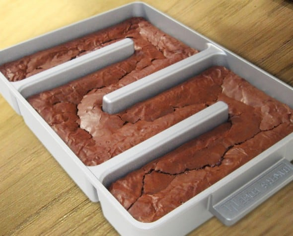 Add more edge in your brownies!
