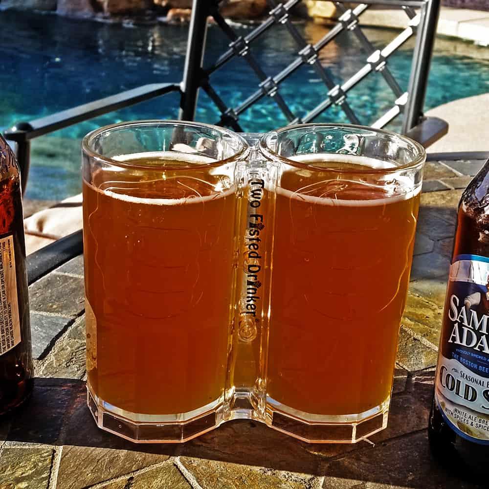 Two-Fisted-Drinker-Clear-Mug-Pool