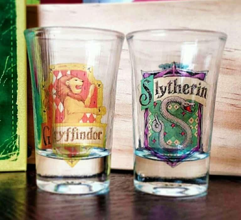 Boos Tiny Bits Hogwart House Shot Glasses Gryffindor and Slytherin