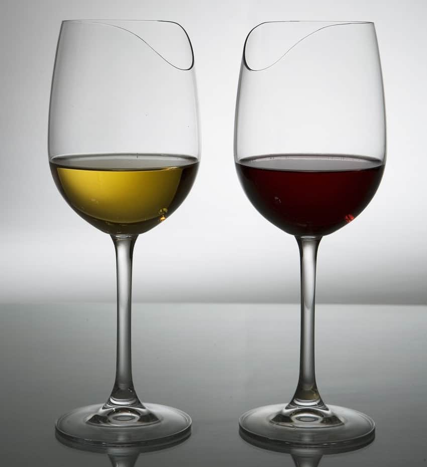 Silhouette sense enhancing wine glass noveltystreet for Cool wine glass designs