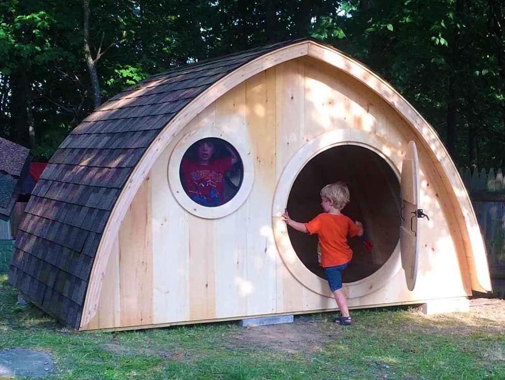 Hobbit holes hobbit playhouse kit noveltystreet for Hobbit style playhouse