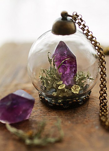 Ruby Robin Boutique Amethyst Crystal Terrarium Necklace Vintage Design Accessory