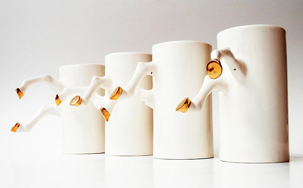 Barceramics White Ceramic Mug with Gold Hooves Create Design For Kitchenware