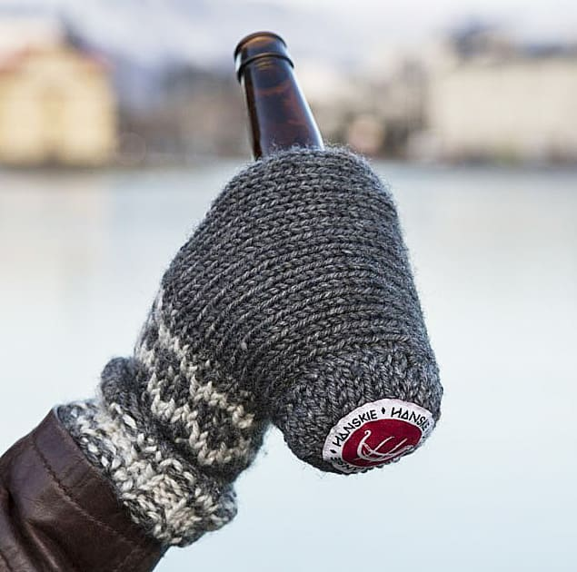 Hanskie Beer Holder Mitten Cool Thing To Bring To A Party