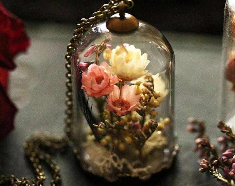 Ruby Robin Boutique Real Flower Locket Cool Jewelry Accessory