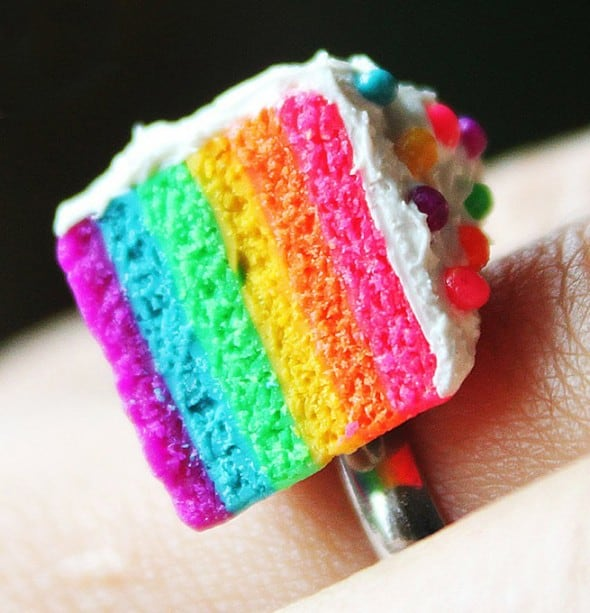Cake ring filled with rainbows and smiles that will surely make anyone happy.