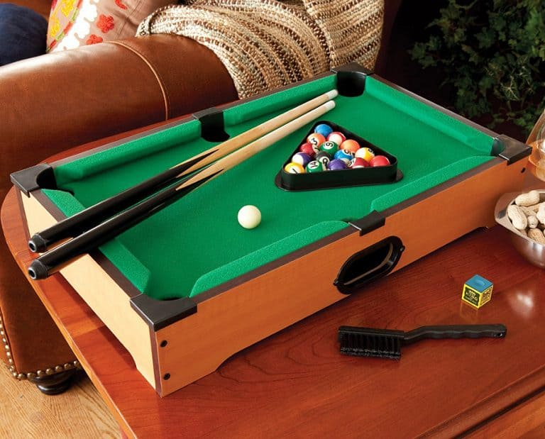 Mainstreet Classics Table Top Billiards Nice Toy