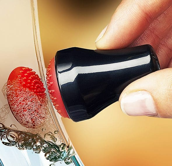 Cuisipro Magnetic Spot Scrubber Glass Cleaner