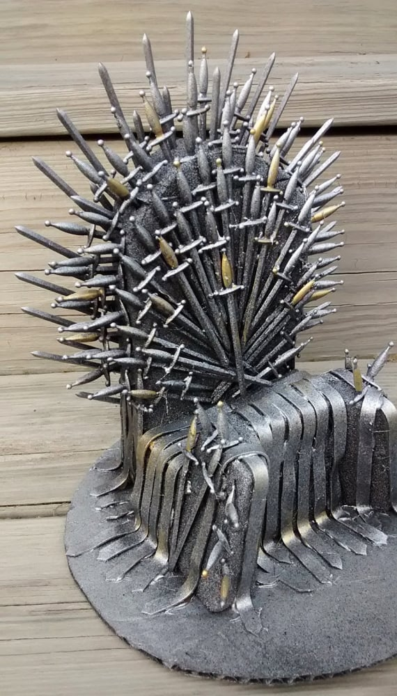 Pay The Iron Price Iron Throne Phone Holder - NoveltyStreet