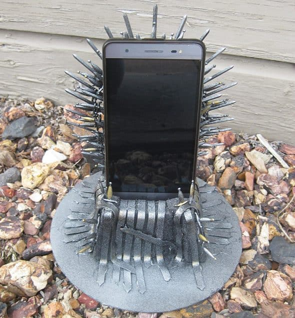 Pay The Iron Price Iron Throne Phone Holder Online Buying