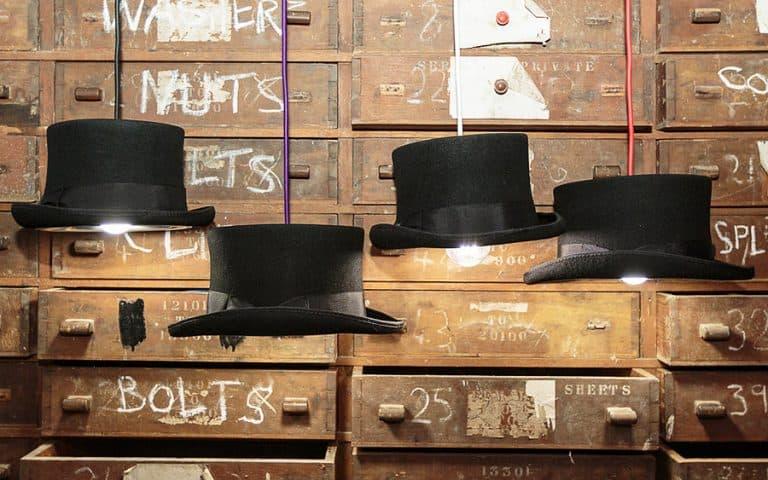 Mr. J Designs Prince Edward Top Hat Light Stylish Pendant
