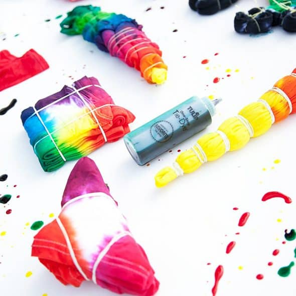 """Create colorful clothes """"to dye for""""."""
